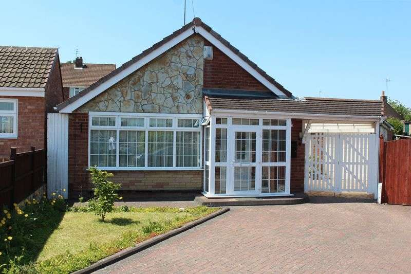 2 Bedrooms Detached Bungalow for sale in KINGSWINFORD, Rose Avenue