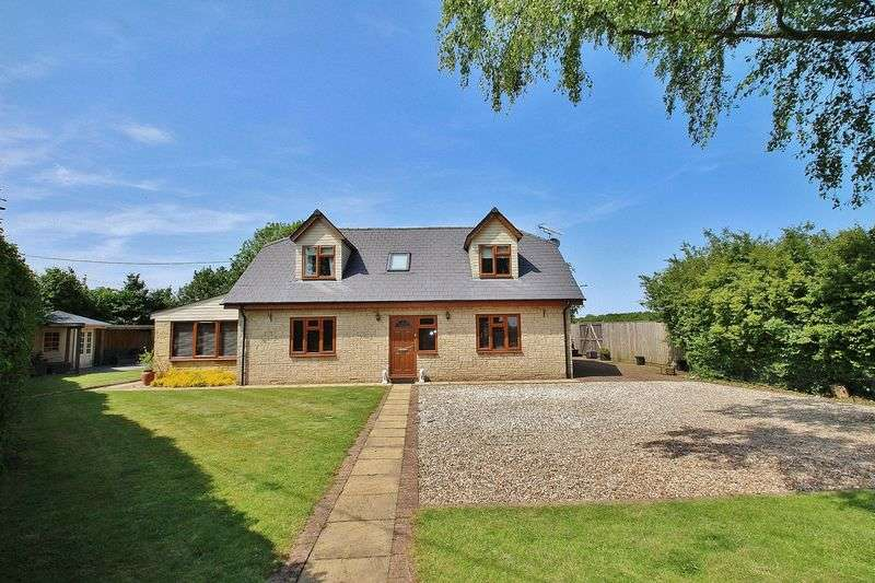 6 Bedrooms Detached House for sale in BLACK BOURTON, Field View, Alvescot Road OX18 2PP