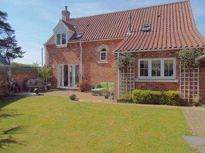4 Bedrooms Detached House for sale in Beech Avenue, Taverham, Norwich