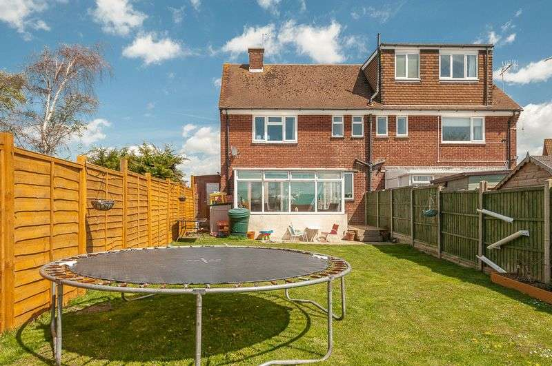 2 Bedrooms Semi Detached House for sale in White Styles Road, Lancing