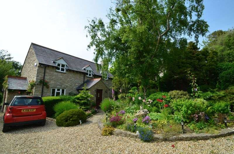3 Bedrooms Detached House for sale in Idyllic Coastal Village