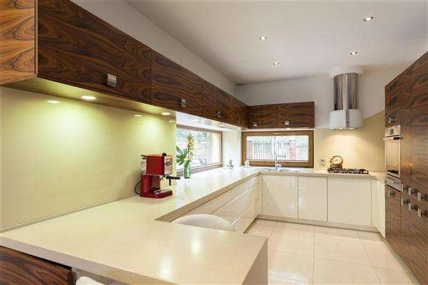 4 Bedrooms Detached House for sale in Swindon, Swindon