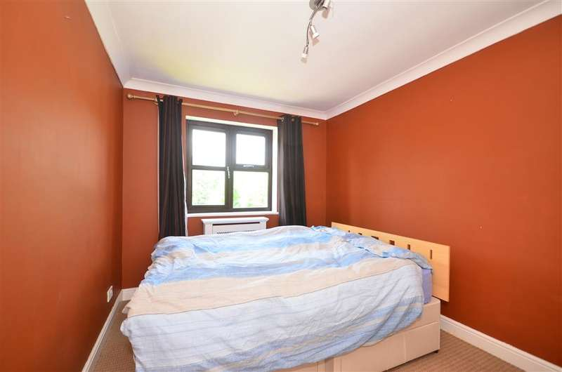 1 Bedroom Flat for sale in May Street, Snodland, Kent