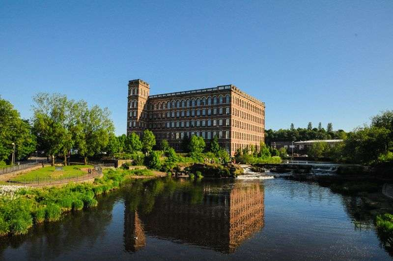 2 Bedrooms Flat for sale in Thread Street, Paisley