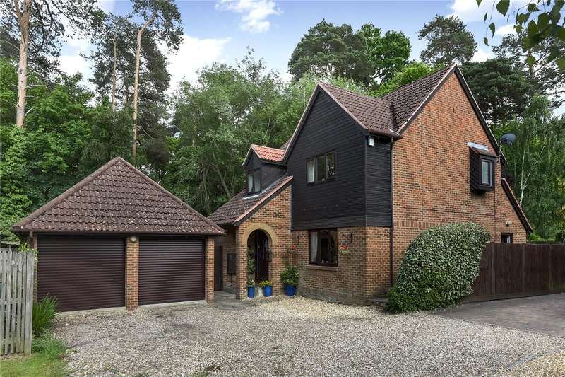 4 Bedrooms Detached House for sale in Eagle Close, Crowthorne, Berkshire, RG45
