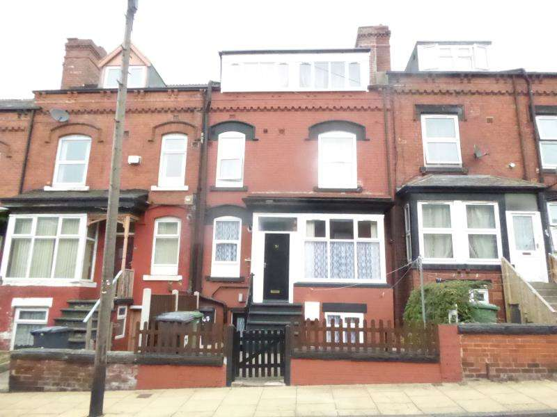 4 Bedrooms Terraced House for sale in Bayswater Place, Harehills, LS8