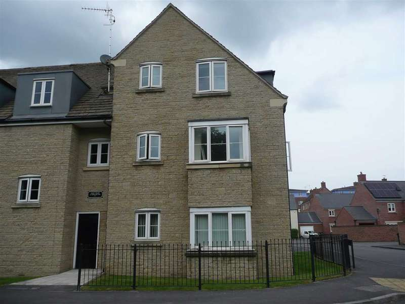2 Bedrooms Apartment Flat for sale in Redhouse Way, Redhouse, Swindon