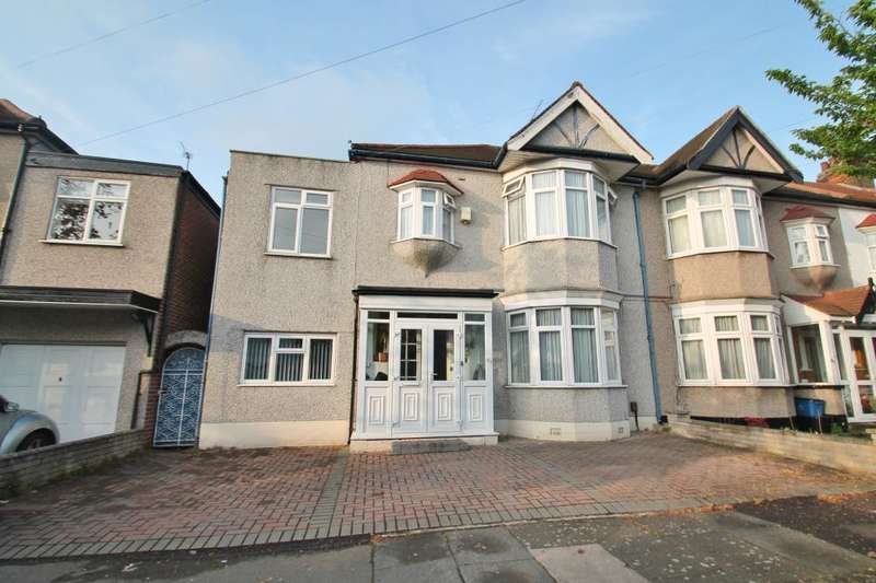 4 Bedrooms End Of Terrace House for sale in CAMPBELL AVENUE, BARKINGSIDE