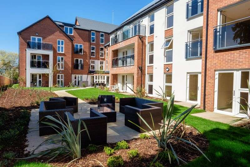 1 Bedroom Flat for sale in Algar Court, Penn Road, Wolverhampton