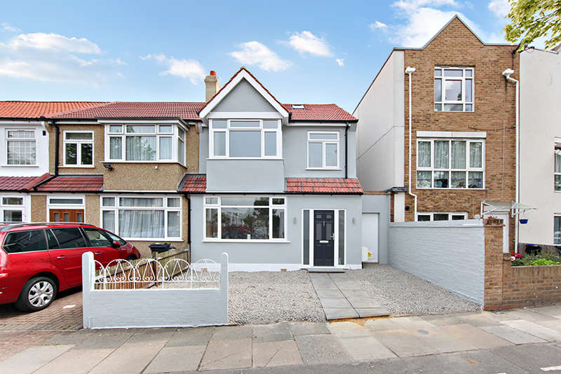 4 Bedrooms Semi Detached House for sale in Farmhouse Road, Streatham, SW16 5BQ
