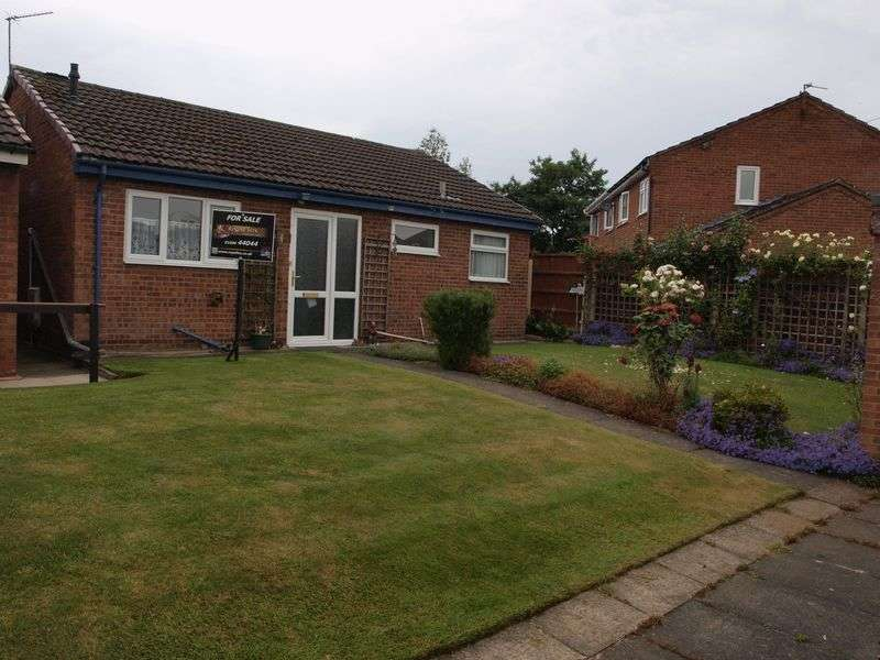 2 Bedrooms Detached Bungalow for sale in Hayes Drive, Barnton, Northwich, CW8 4JX