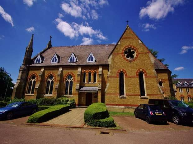 2 Bedrooms Flat for sale in Reeds Chapel, Orphanage Road, WATFORD, Hertfordshire
