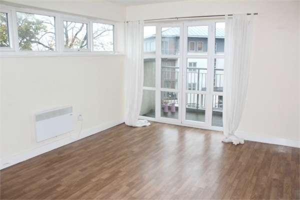 2 Bedrooms Flat for sale in Ockbrook Drive, Nottingham