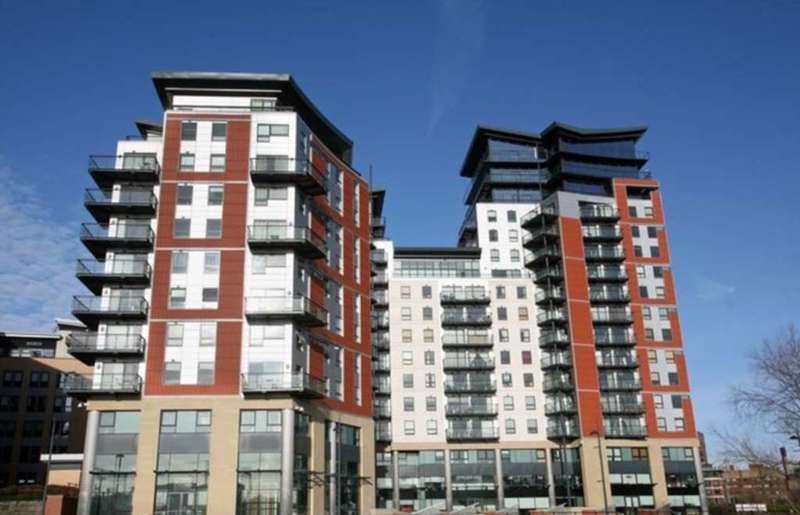 2 Bedrooms Apartment Flat for sale in Whitehall Water Front, Riverside Way