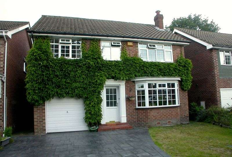 4 Bedrooms Detached House for sale in CHEADLE HULME (MARLBOROUGH AVENUE)