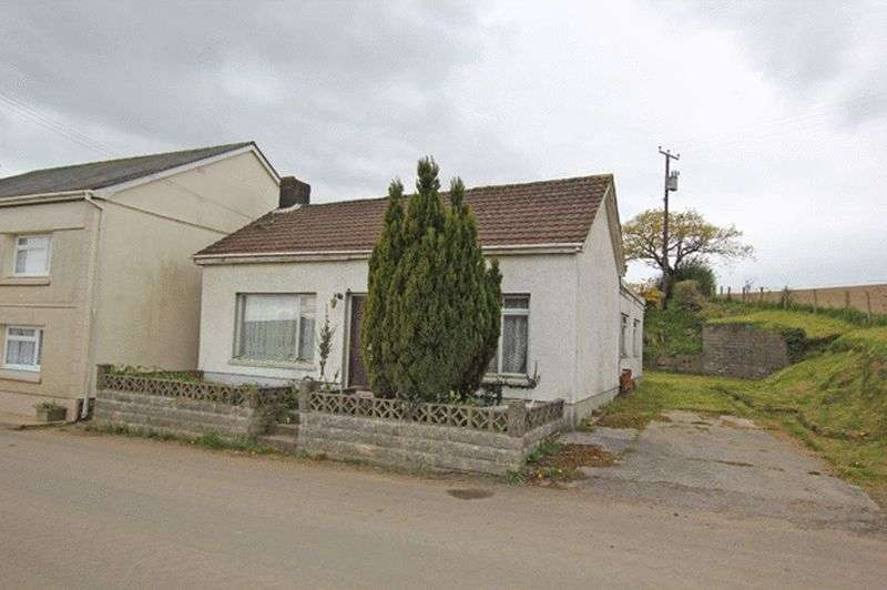 3 Bedrooms Detached Bungalow for sale in HEOL SMYRNA, LLANGAIN, CARMARTHEN