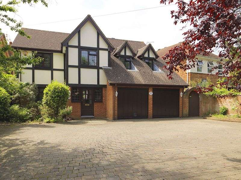 5 Bedrooms Detached House for sale in Sidney Road, Walton-On-Thames, KT12