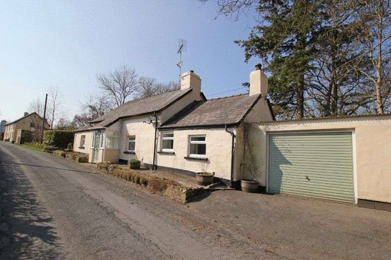 2 Bedrooms Cottage House for sale in MAESYCRUGIAU, PENCADER