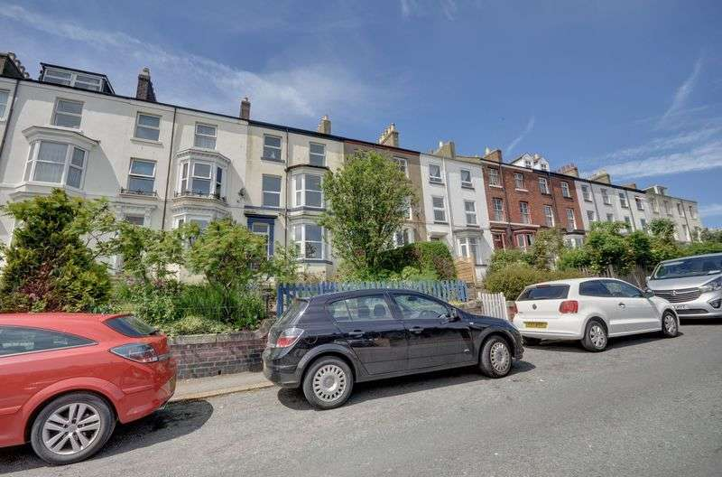 4 Bedrooms Terraced House for sale in Park Terrace, Whitby