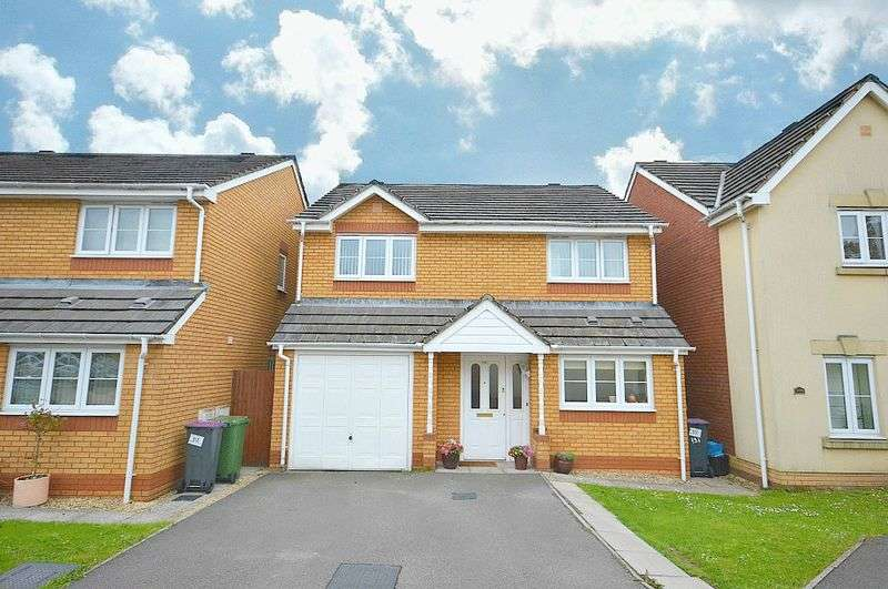 4 Bedrooms Detached House for sale in Churchwood, Pontypool