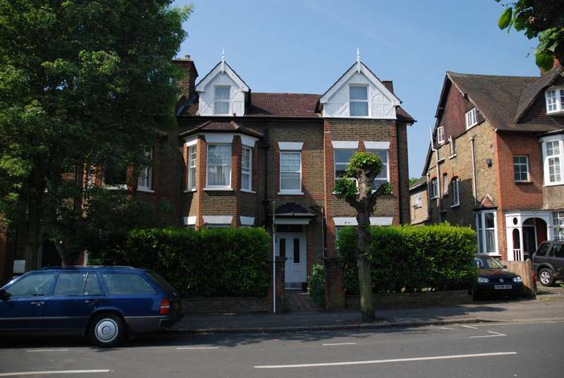1 Bedroom Flat for sale in Merton Hall Road, Wimbledon, SW19