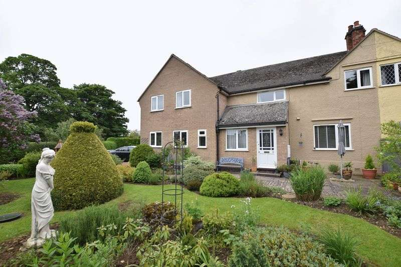 3 Bedrooms Semi Detached House for sale in Toll Bar, Cottesmore, Oakham