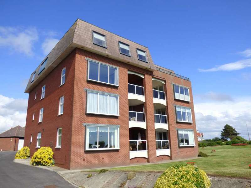 2 Bedrooms Flat for sale in Lake Point, Marine Drive, Fairhaven, Lytham St Annes.