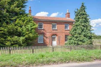 4 Bedrooms Detached House for sale in Dereham, Norfolk
