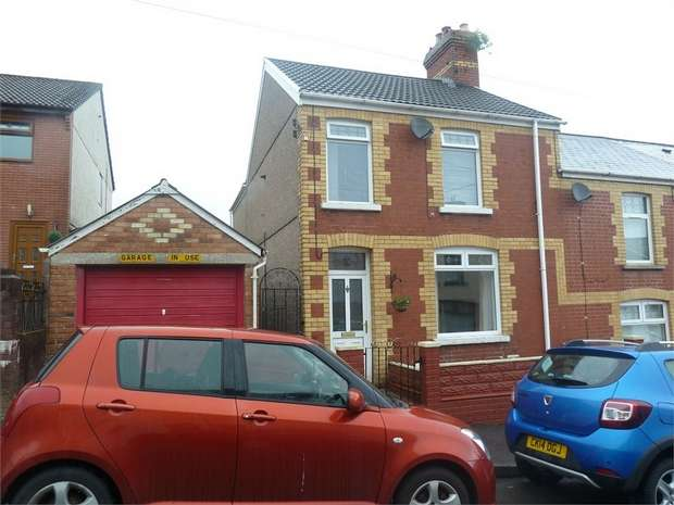 3 Bedrooms End Of Terrace House for sale in Exchange Street, Maesteg, Maesteg, Mid Glamorgan