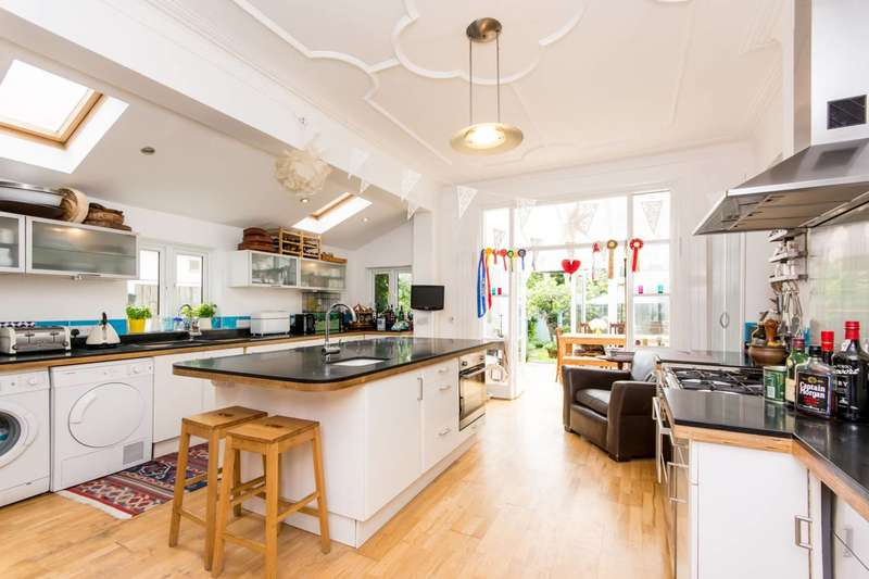 3 Bedrooms House for sale in Olive Road, Willesden Green, NW2