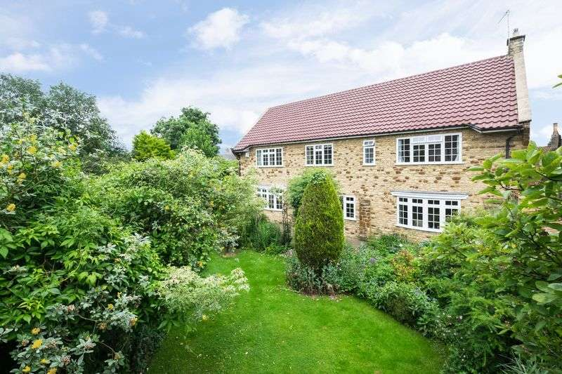 3 Bedrooms Detached House for sale in Orchard Road, Finedon