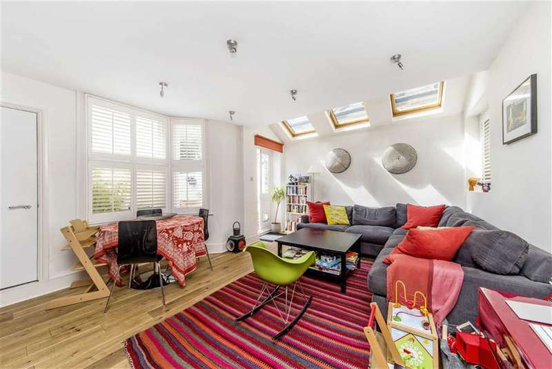 2 Bedrooms Flat for sale in Marmion Road, London