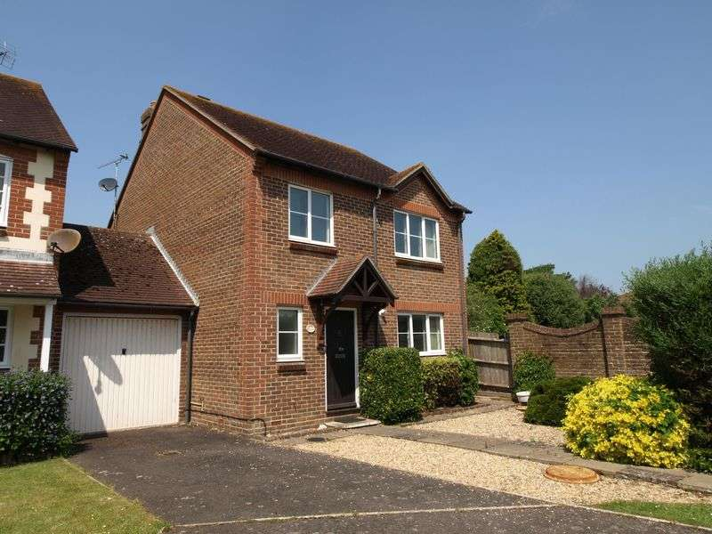 3 Bedrooms Detached House for sale in Felpham Village, West Sussex