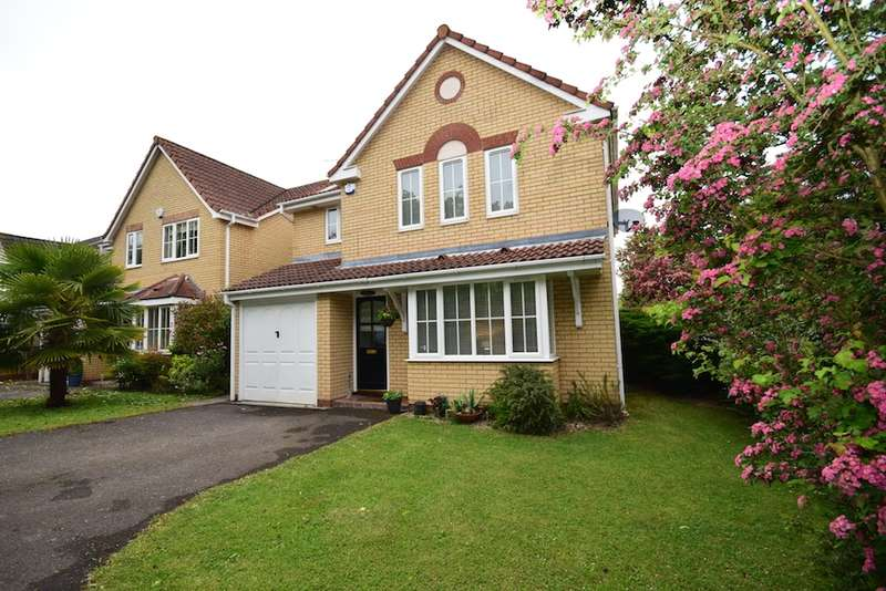 4 Bedrooms Detached House for sale in Milton Avenue, Langdon Hills, Essex, SS16