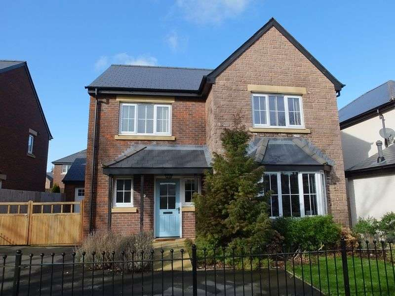 4 Bedrooms Detached House for sale in Croesonen Gardens, Abergavenny