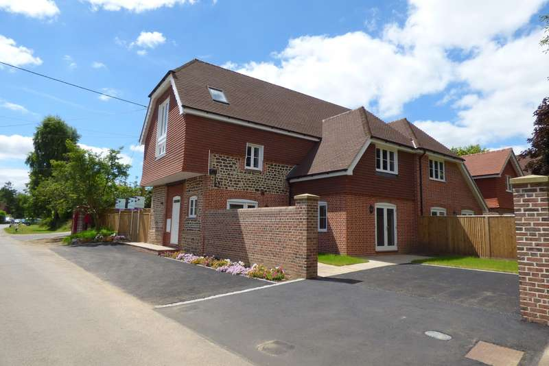 5 Bedrooms Semi Detached House for sale in The Street, Stedham, Midhurst, GU29