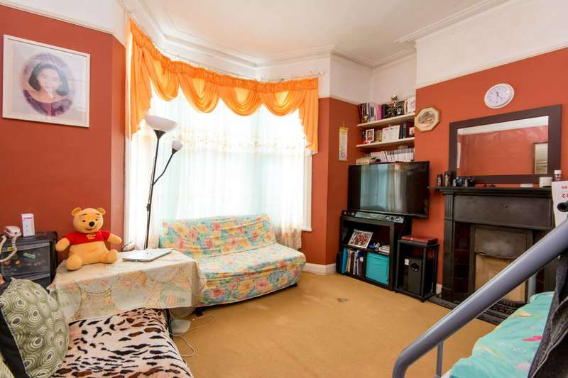 1 Bedroom Flat for sale in St Thomas's Road, Harlesden, NW10