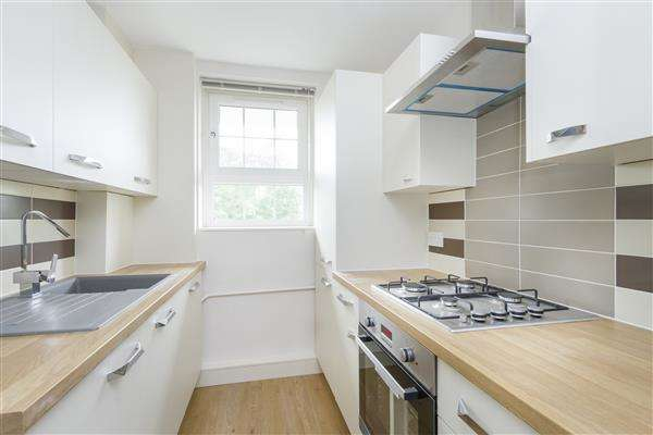 1 Bedroom Apartment Flat for sale in Forman House, Frendsbury Road, Brockley