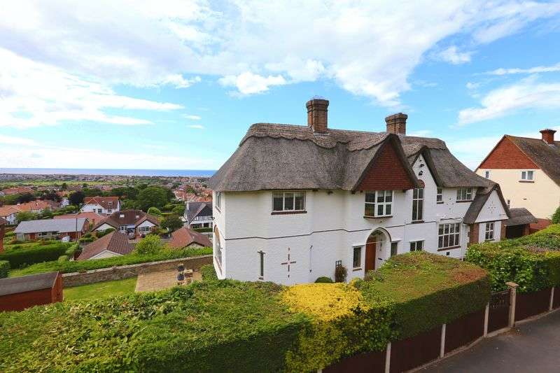 4 Bedrooms Detached House for sale in Mount Ida Road, Prestatyn