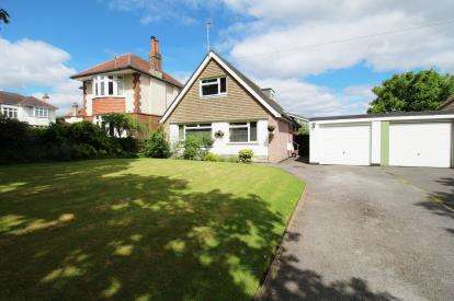 4 Bedrooms Bungalow for sale in Bournemouth, Dorset