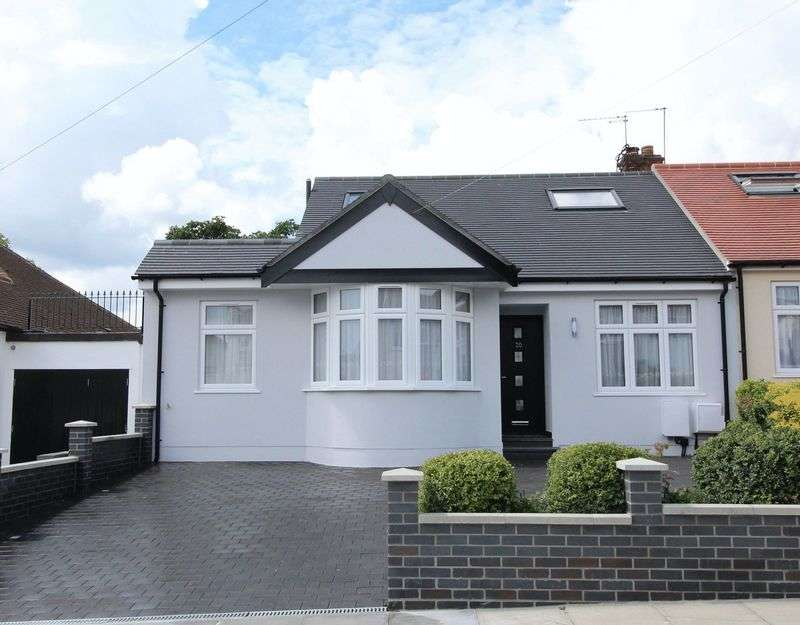 4 Bedrooms Semi Detached Bungalow for sale in Beresford Avenue, Whetstone