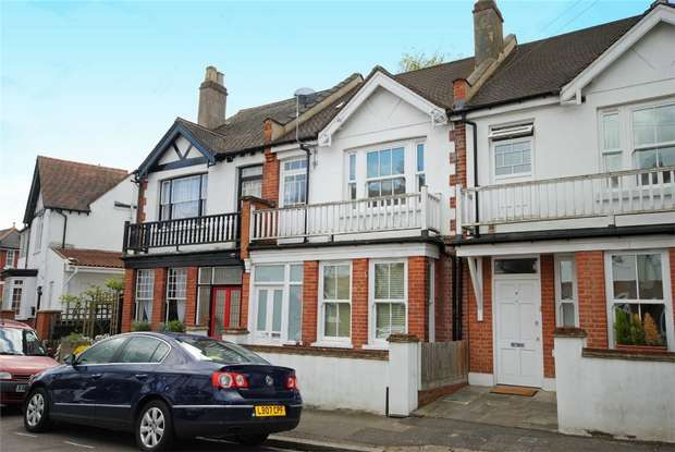 3 Bedrooms Terraced House for sale in Riverview Gardens, Strawberry Hill, Twickenham
