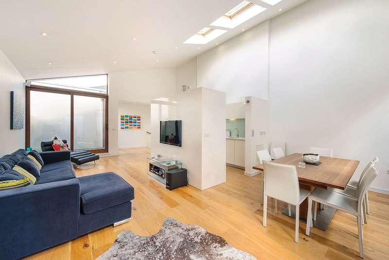 3 Bedrooms Mews House for sale in Zulu Mews, London, SW11
