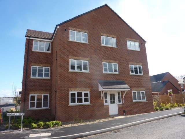 2 Bedrooms Flat for sale in Stone Drive, Shifnal