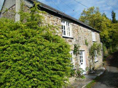 3 Bedrooms Detached House for sale in Saltash, Cornwall