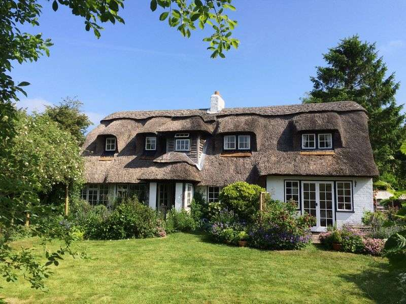 3 Bedrooms Cottage House for sale in Edneys Lane, Denmead, Hampshire