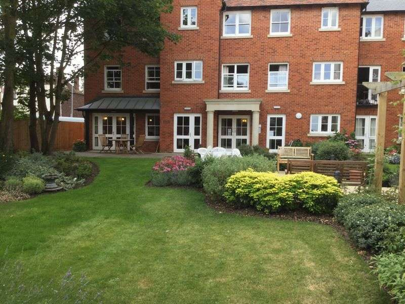 1 Bedroom Retirement Property for sale in Canterbury, Abbots Lodge