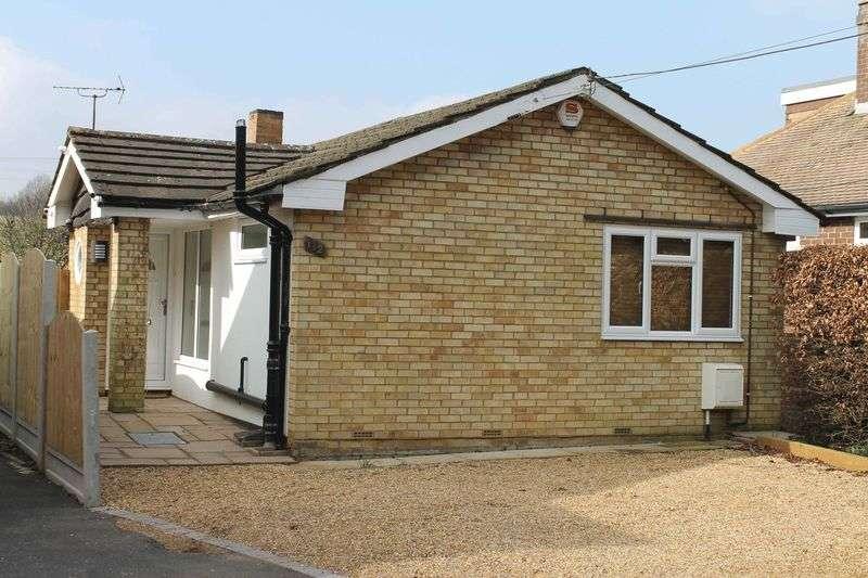 2 Bedrooms Detached Bungalow for sale in Mancroft Road, Luton