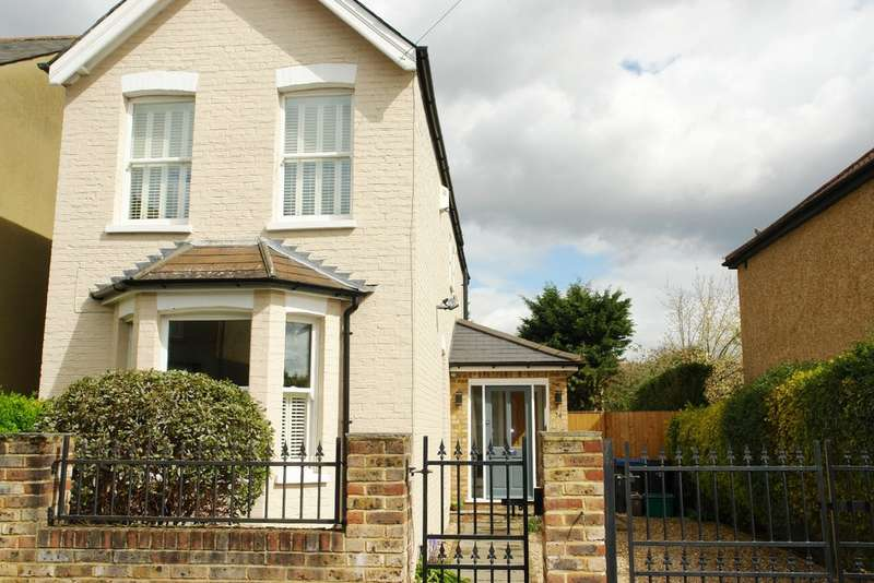 3 Bedrooms Detached House for sale in Tolworth Road, Surbiton, Tolworth