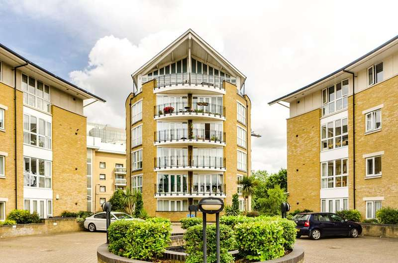 2 Bedrooms Flat for sale in Thomas More Street, St Katharine Docks, E1W